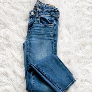 AEO • light wash skinny jeans